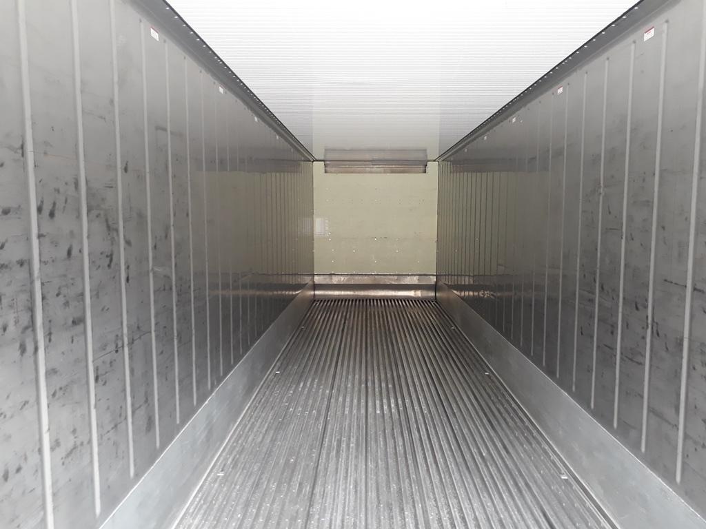 рефрижераторный контейнер внутри
